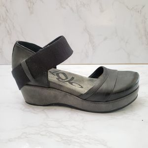 OTBT Leather Platform Wedges Size 6
